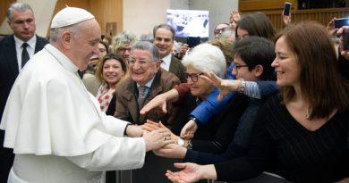 Papa: a sociedade é chamada a contrastar o câncer da corrupção